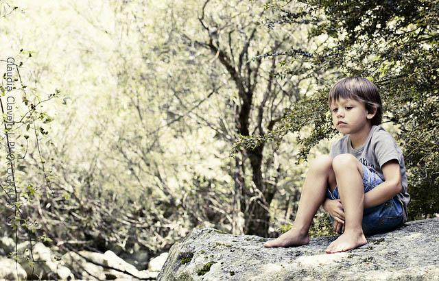 Niño en la naturaleza